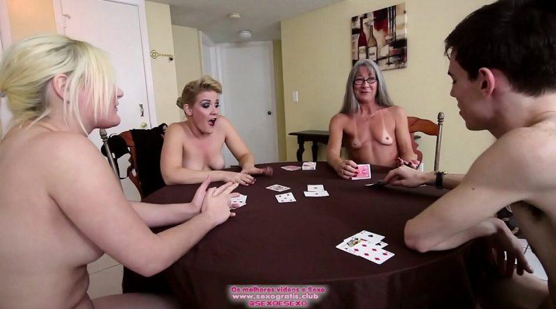 Strip Poker em família