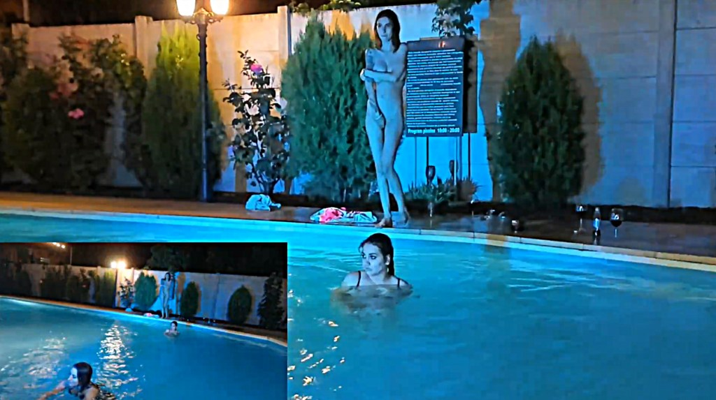 Hotfallingdevil nuda al bordo piscina