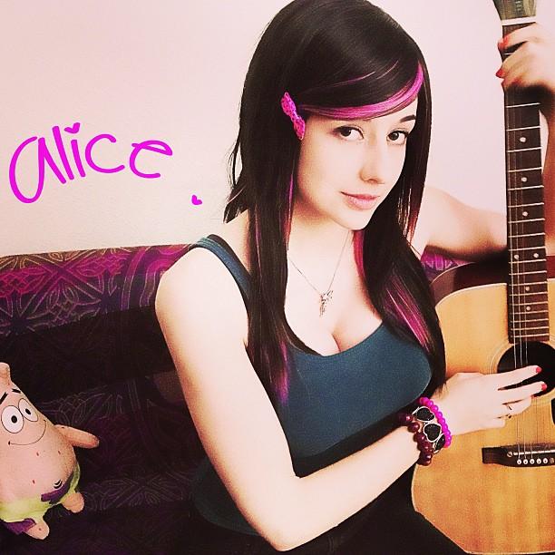 Alicebloodygirl  (7)