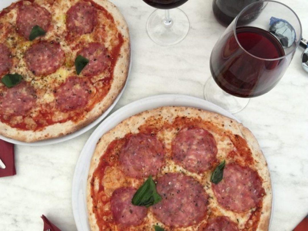 San Gimignano'da yediğim Toskana pizzasının tadını unutamıyorum