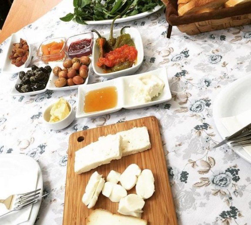 Naga Putrika Moda'da lezzetli kahvaltı mekanlarından biri