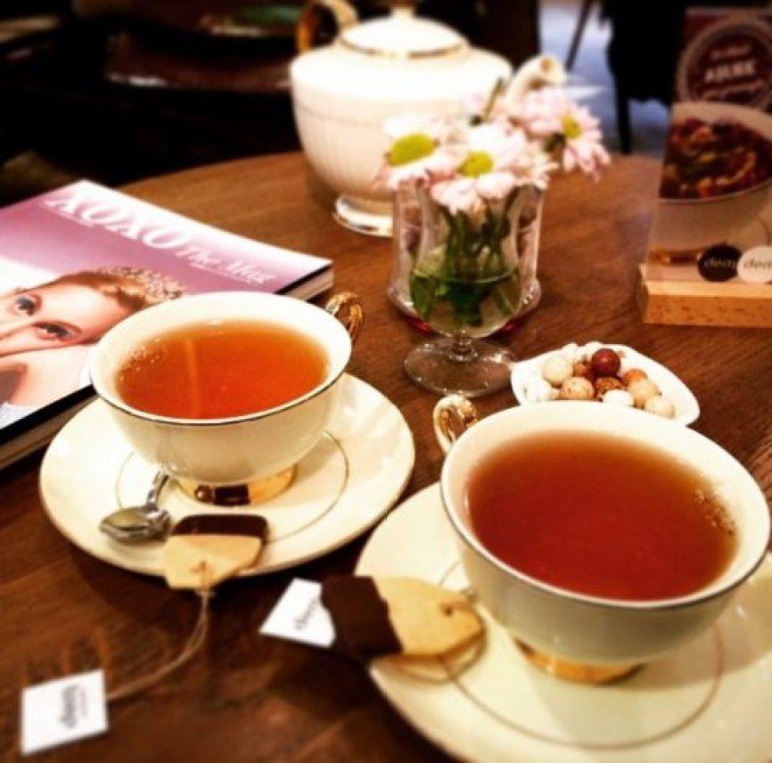 Dem, Karaköy'den sonra Moda'da da lezzetli çayları ile müdavimlerini ağırlıyor