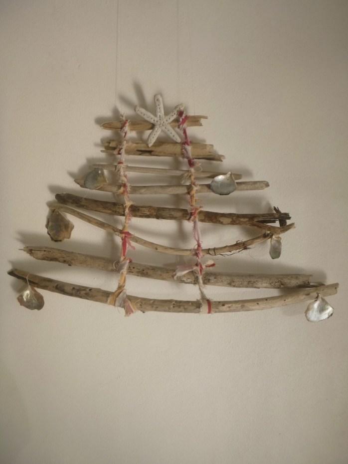 Island christmas driftwood tree