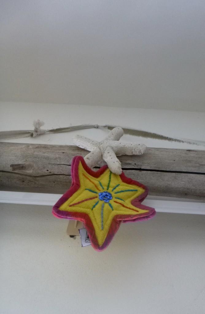 Island Christmas. Salt dough starfish driftwood
