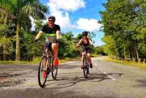 Karı Koca Bisiklet Sürmek