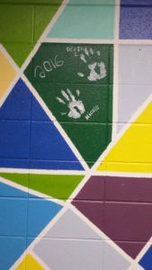 2016 senior handprints