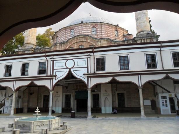 Emir Sultan Cami Ön Görünüş