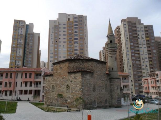Kefensüzen Cami Çapraz