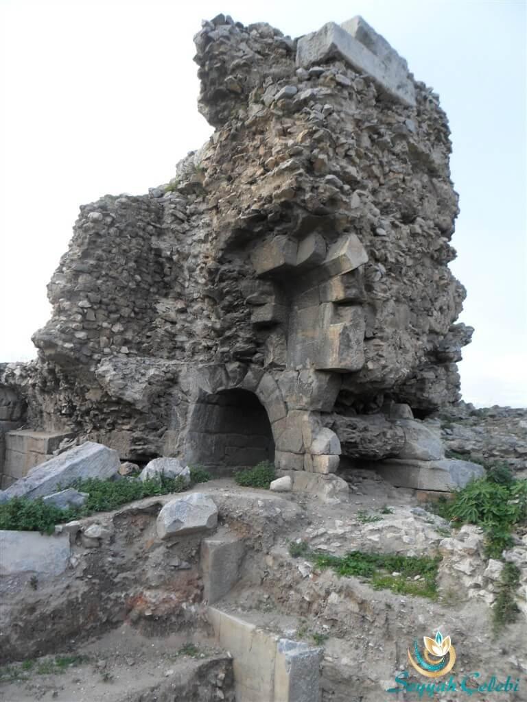 İznik Roma Tiyatrosu Kemerleri