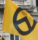schwarzgold 124x130 Nein, muß ich nicht: Identitäre Kundgebung gegen Morten Kjaerum in Wien