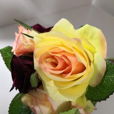 Bouquet de rose en tissus pour columbarium 50303B