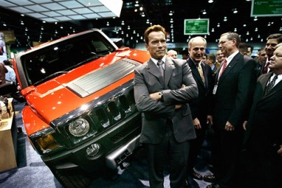 California governor and Hummer aficionado Arnold Schwarzenegger hailed a 100-mpg hybrid version of the much-maligned SUV when it was unveiled in April in Detroit.