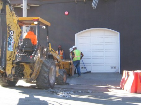 """No Blacks working! That's what I see at every construction jobsite in San Francisco,"" exclaims Willie Ratcliff, Bay View publisher, lifelong construction worker and contractor, owner of Liberty Builders and first vice president of Bay Area Black Builders. ""Stimulus funds are hard at work, but Blacks aren't – even though those funds are supposed to put the communities hardest hit back to work. The Coalition for Economic Equity pushed hard and convinced Caltrans to reinstate race-conscious goals for stimulus-funded work, yet still I see no Blacks working. Statistics are hard to find, but Time magazine reports that Black contractors in Florida and Illinois have less than 2 percent of the stimulus work. And a Washington Post headline screams ""34.5 percent"" unemployment for young Black men. It's so bad the Congressional Black Caucus shut down a major vote to protest deepening unemployment. For weeks I've been monitoring a stimulus streetscape project on Divisadero in what used to be San Francisco's Black heartland – no Blacks working there … until finally I spotted one young brother the day before Thanksgiving. With no Black contractor in charge, though, they might not keep him on."" – Photo: Francisco Da Costa"