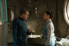 Silas (Bryan Cranston) and Vera (Essie Davis)