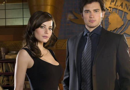Smallville's Erica Durance (Lois Lane) interviewed.