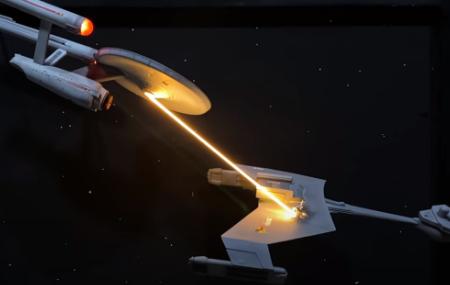 Building a Star Fleet punch-up diorama from Star Trek (model DIY video).