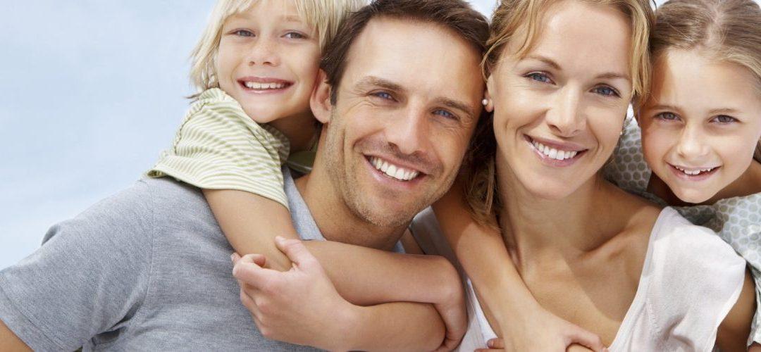 Χαρούμενοι γονείς, χαρούμενα παιδιά! ! !