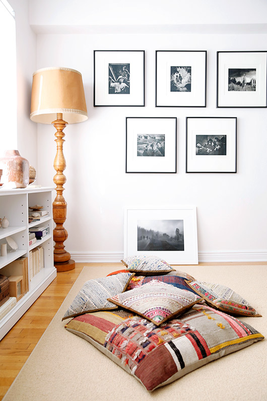 oversized lamp, black and white prints and pillows in artist abigail doan's home / sfgirlbybay