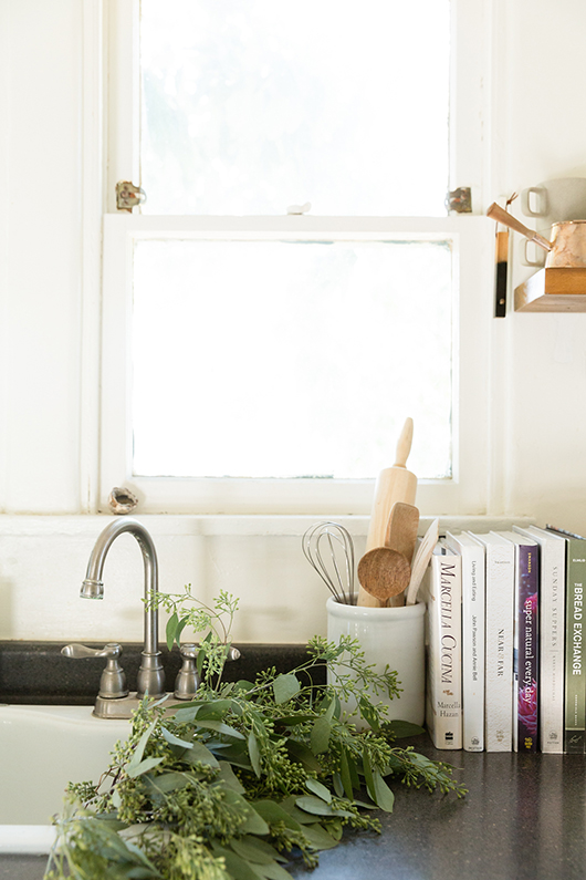 chic and simple kitchen decor / sfgirlbybay