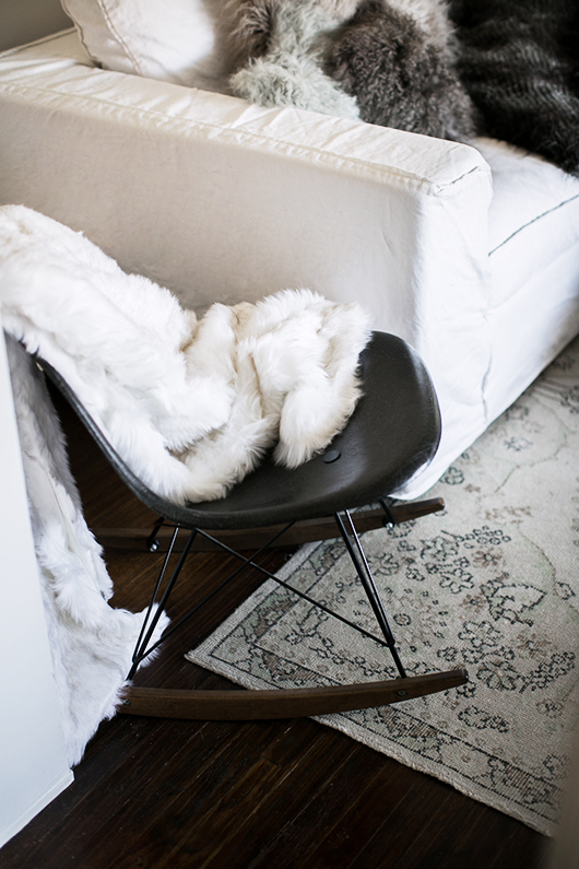 cream and gray faux fur blankets and pillows from pier 1 / sfgirlbybay