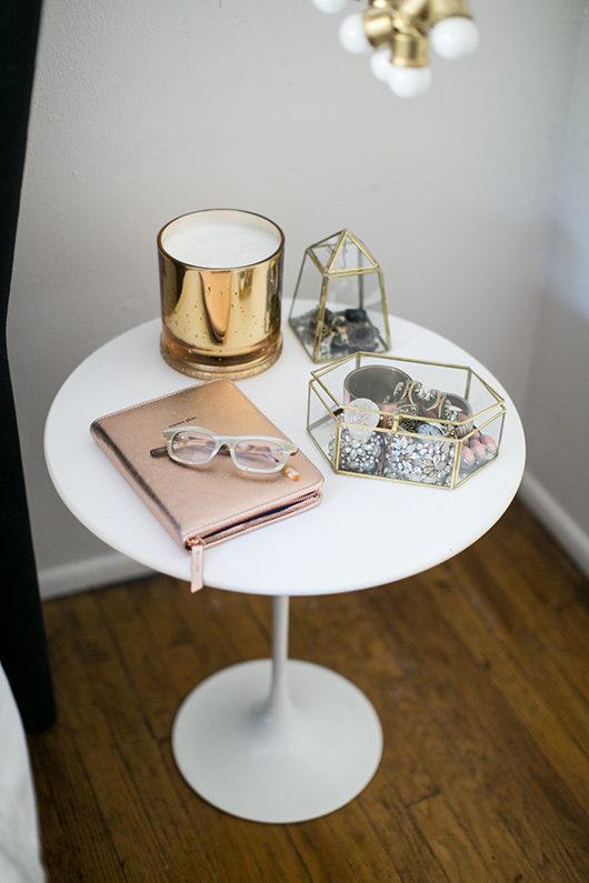 anthropolgie accessories on white bedside table / sfgirlbybay