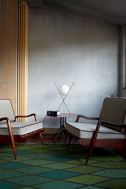 mid-century modern chairs with area rug in shades of green / sfgirlbybay