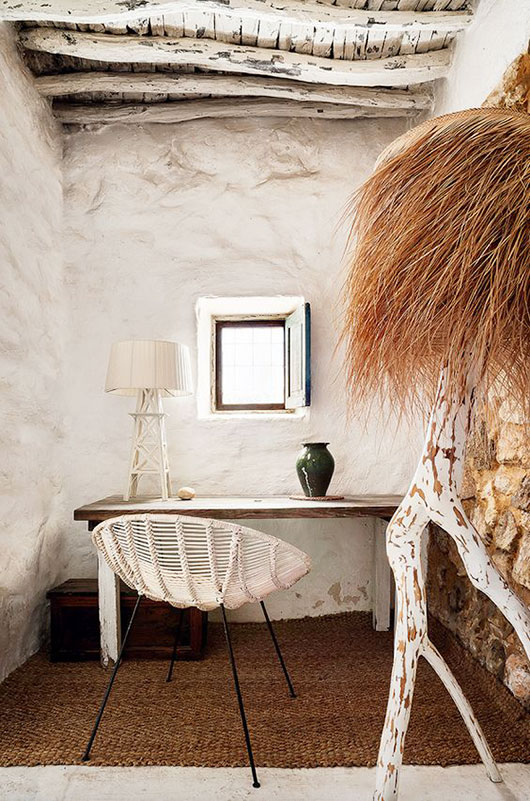 vintage rattan chairs via architectural digest espana / sfgirlbybay
