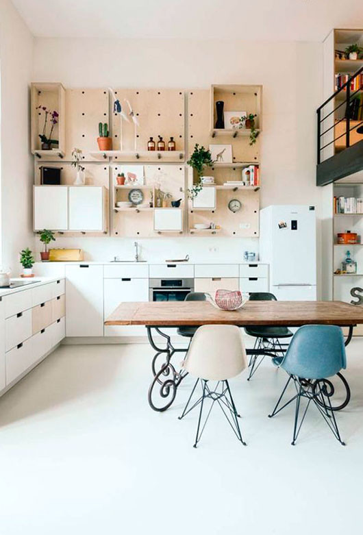 pegboard-looking kitchen shelving via design milk / sfgirlbybay