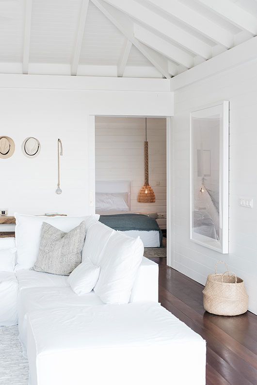 white decor inside villa palmier / sfgirlbybay