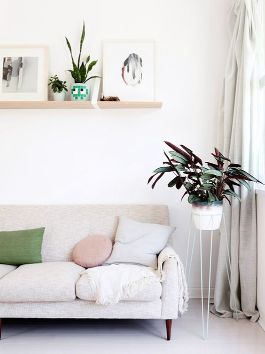 pink accents pillow via the design files. / sfgirlbybay