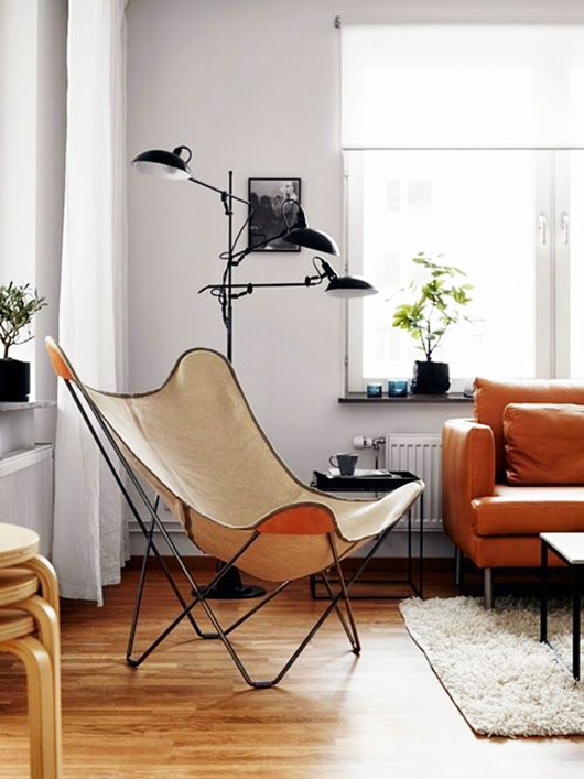 butterfly chair in sunny living room / sfgirlbybay