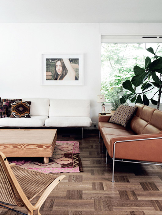 designer barbara hvidt's modern living room via Elle Decoration Denmark. / sfgirlbybay