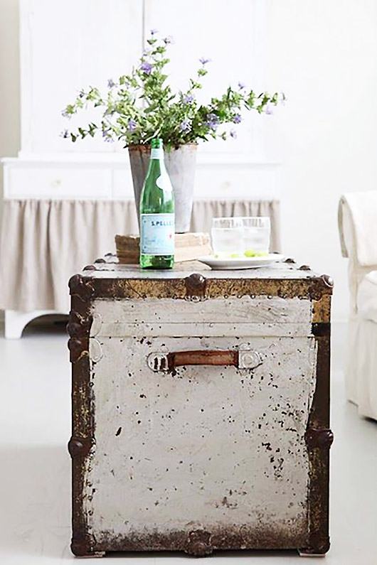 trunk as coffee table / sfgirlbybay