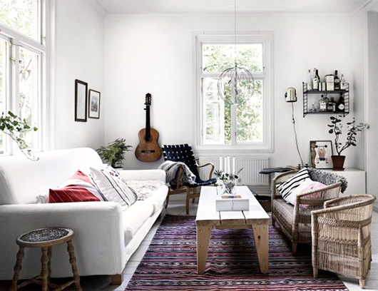 cottage style living room with lots of sunlight / sfgirlbybay