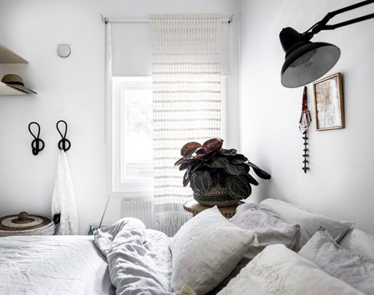 light bedroom decor with black accents/ sfgirlbybay