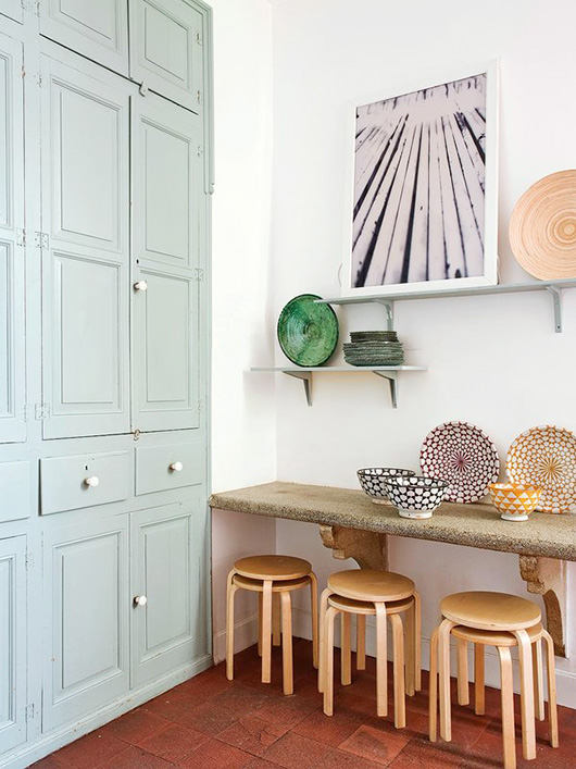 madrid apartment with pastel kitchen decor / sfgirlbybay
