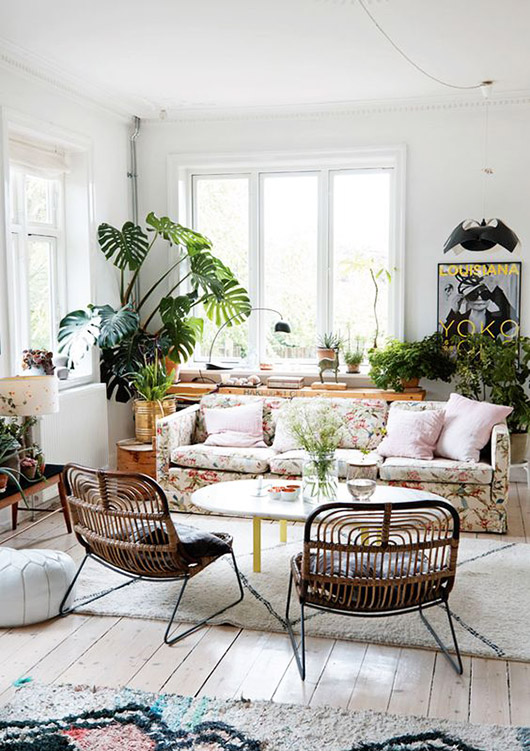 modern living room with lots of green plants / sfgirlbybay