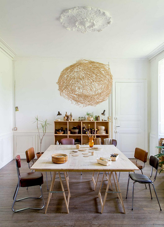 modern dining room in castle featured in vtwonen. / sfgirlbybay