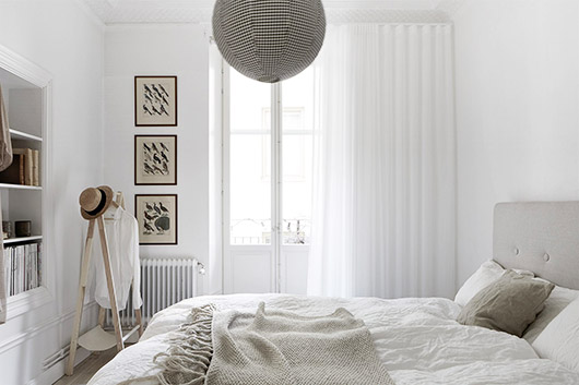 black and white bedroom decor via fantastic frank. / sfgirlbybay