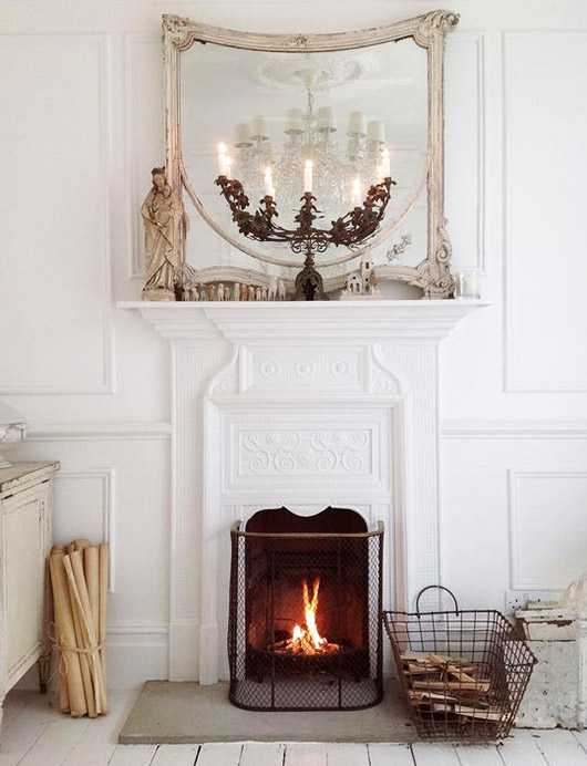 living room with white ornate molding and fireplace. / sfgirlbybay