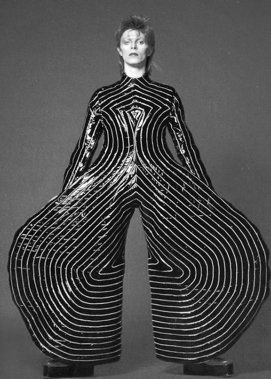 bowie in bauhaus inspired costume. / sfgirlbybay