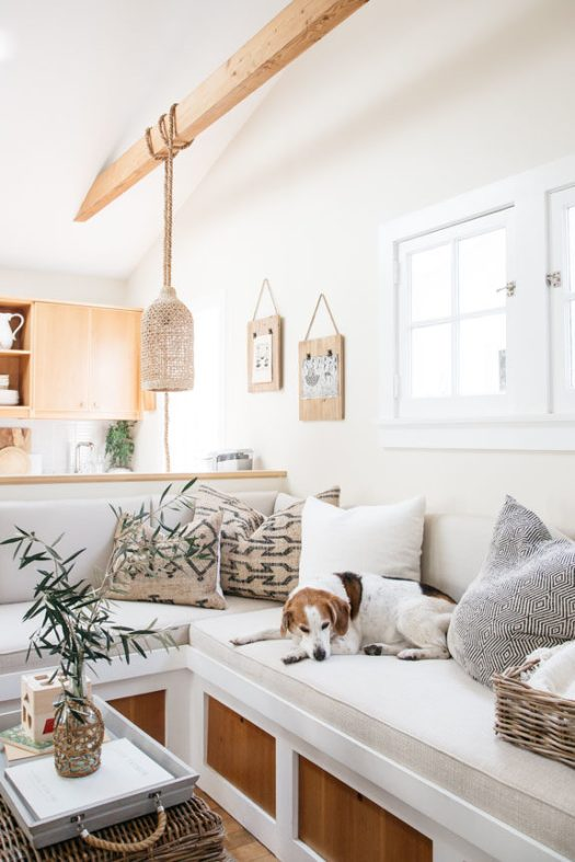 inspiring tiny home living room in venice canals. / sfgirlbybay