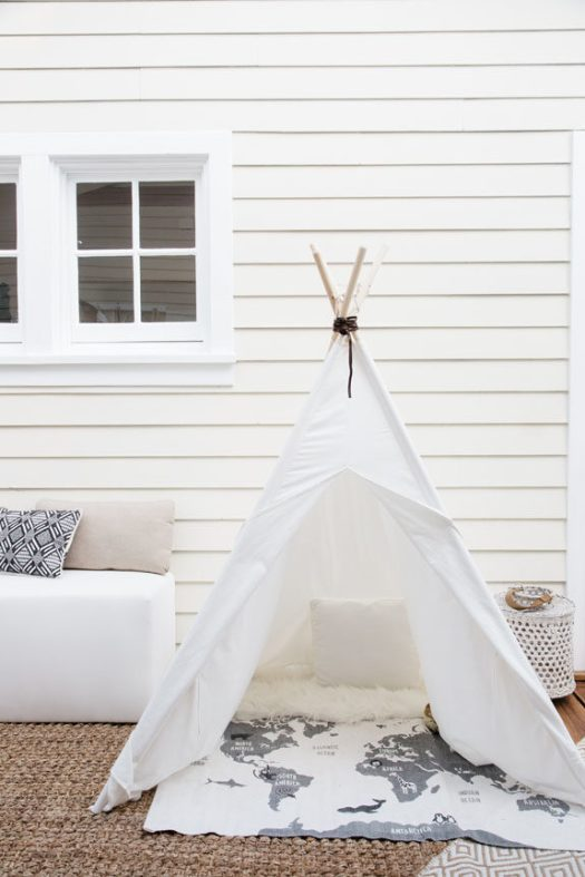 kids tepee in creative director whitney leigh morris' tiny canal cottage. / sfgirlbybay