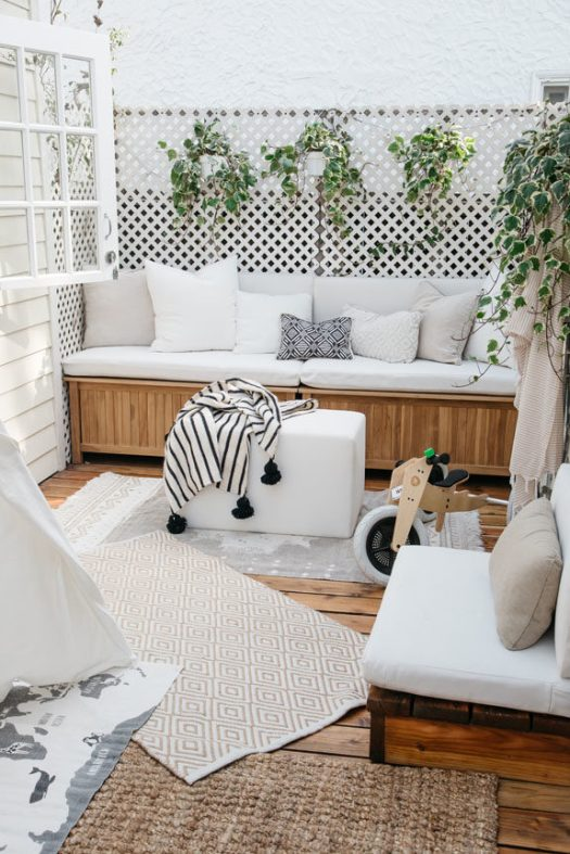 tiny canal cottage home photographed by lily glass. / sfgirlbybay