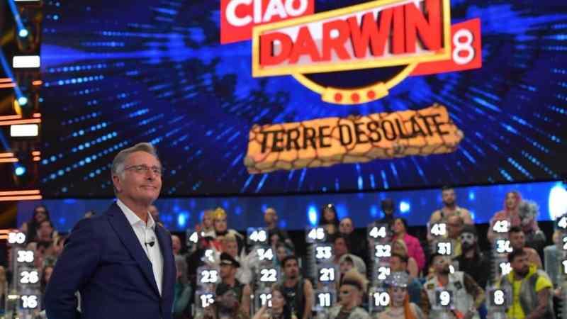 Ciao Darwin 2019 | Terre Desolate: chic contro shock | Abbiamo bisogno della nuova edizione?