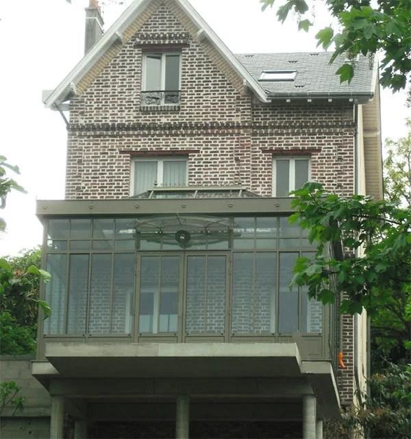 Véranda à étage pour extension d'une maison