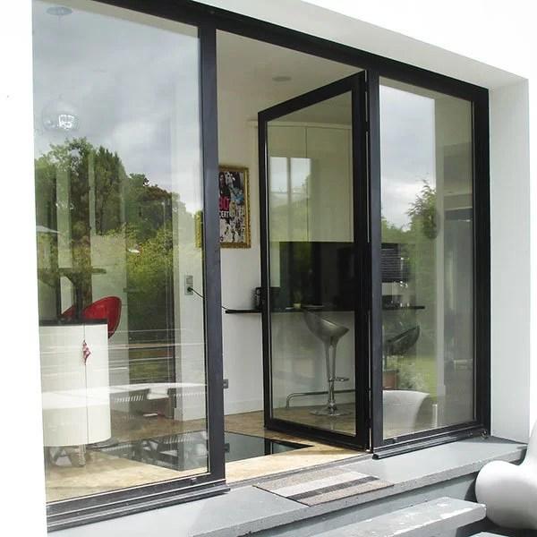 Pose de porte fenêtre battante en metal SFMP 78