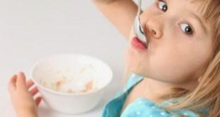 criança-alimentada