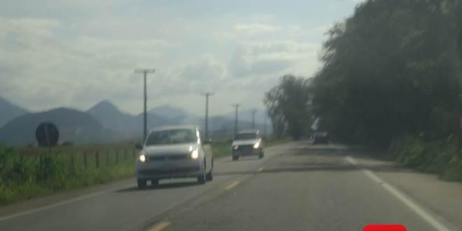 veículo estrada 6