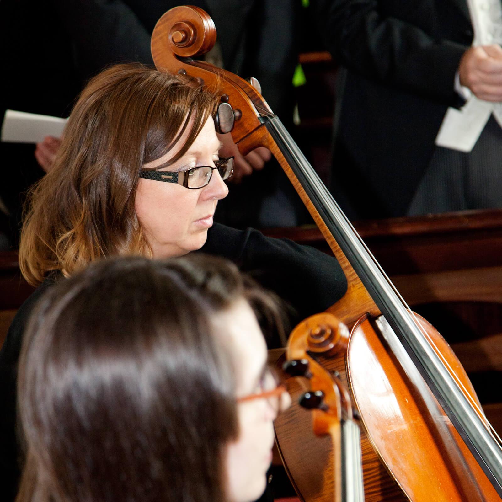 Warwickshire-wedding-photographer-Violins-Southam-Church-3